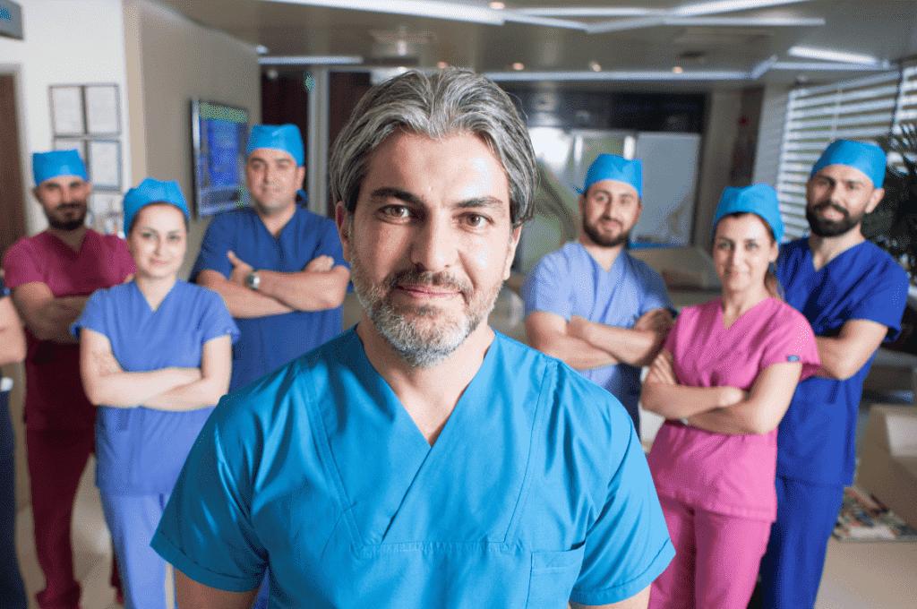 DR. SERKAN AYGIN CLINIC - Przeszczep włosów w Turcji