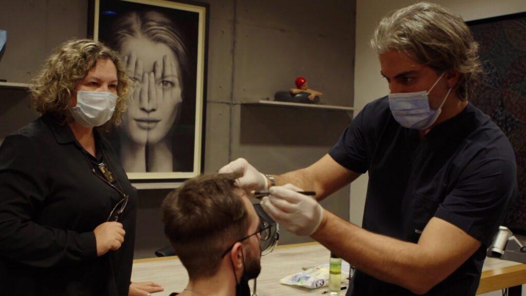 Jak-wybrać-klinikę-przeszczepu-włosów-w-Turcji